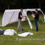 Pagodentent 4x4 opbouwen in 's Gravenzande